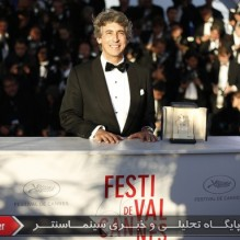 21Alexander Payne receives the prize in the name of Bruce Dern - Photocall - Best Actor Award
